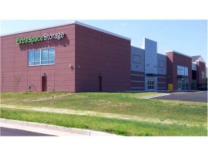 Extra Space Storage - Ashburn - Centergate Dr